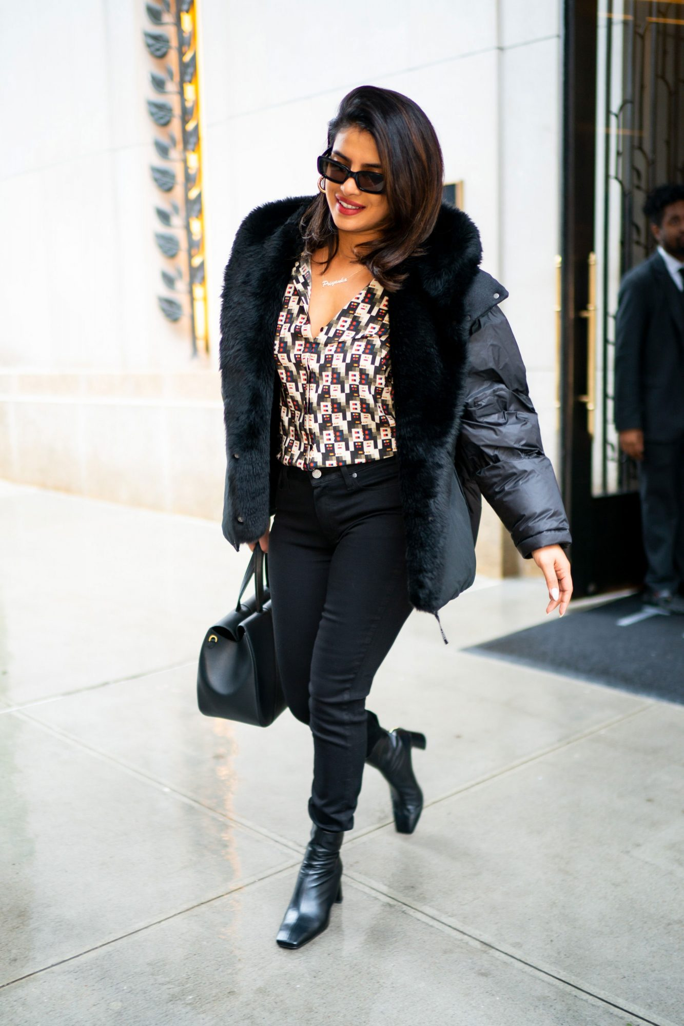 Priyanka Chopra's Latest Airport Outfit Is Proof the Perfect Black Skinny Jeans Exist