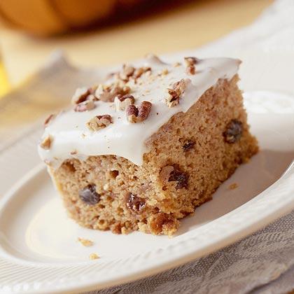 Recipe for applesauce raisin spice cake