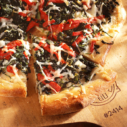 Spinach-and-Roasted Red-Pepper Pizza Recipe