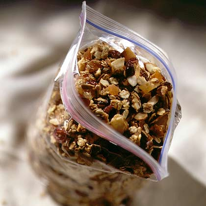 Crunchy Granola with Dried Fruit