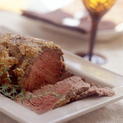 Beef Tenderloin with Horseradish-and-Roasted Garlic Crust