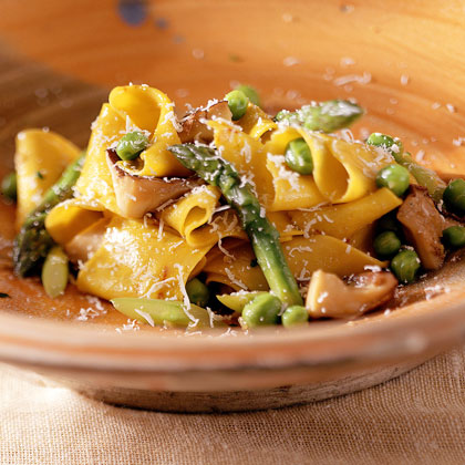 Homemade Pappardelle Pasta with Mushrooms, Green Peas, and Asparagus Recipe