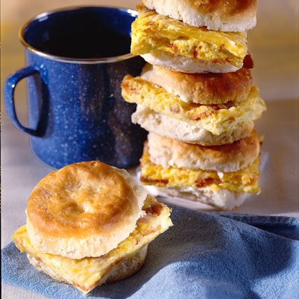 Deluxe Omelet Biscuits Recipe