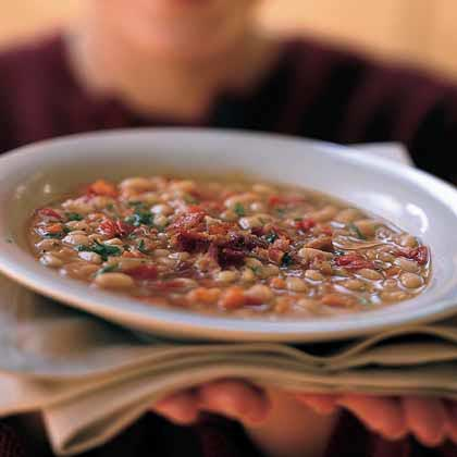 White-Bean Soup with Peppers and Bacon