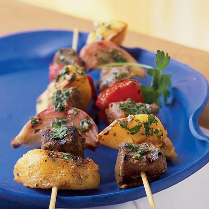 Grilled Sirloin Skewers with Peaches and Peppers