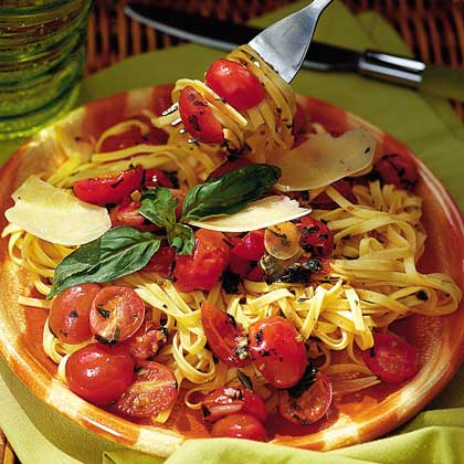 Fresh Tomato Sauce with Linguine Recipe