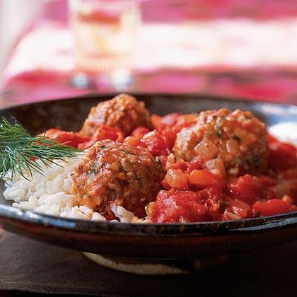 Bulgur and Lamb Meatballs in Tomato Sauce