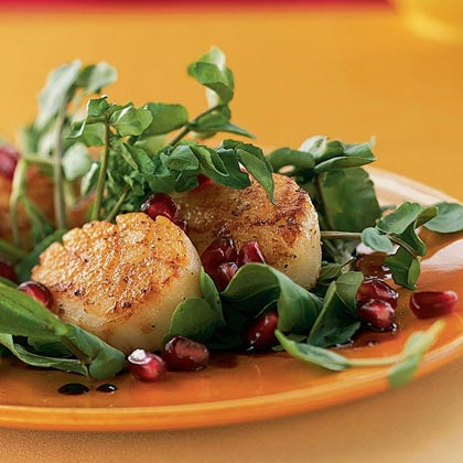 Seared Scallops with Pomegranate SauceRecipe