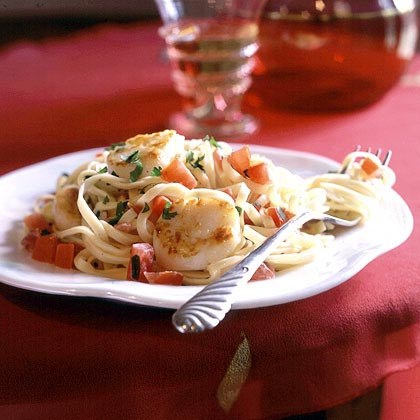 Pan-Seared Scallops on Linguine with Tomato-Cream SauceRecipe