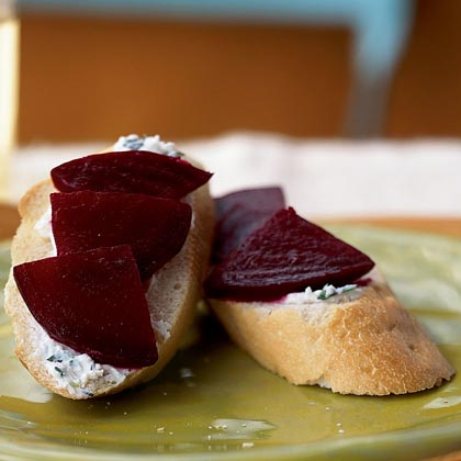 Beet and Goat Cheese Crostini Recipe