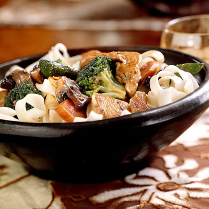 Stir-Fried Chicken with Vegetables and Lo Mein Noodles