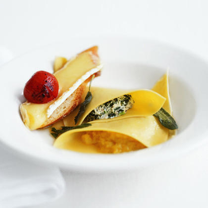 Warm Garlic-Brie Crostini