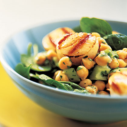 scallops-chickpea-salad
