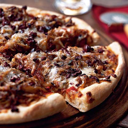 Pizza with Caramelized Fennel, Onion, and Olives Recipe