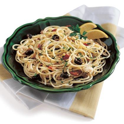 Spaghetti with Clams, Tuna, and Bacon Recipe