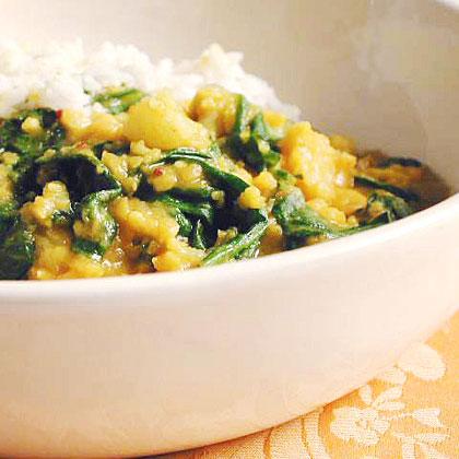 Split Pea-Spinach Dal with Cauliflower