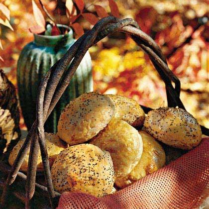 Potato-Caramelized Onion Buns