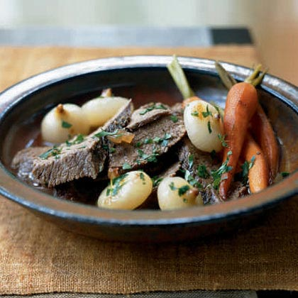 Vinegar-Braised Beef with Thyme, Carrots, and Onions Recipe