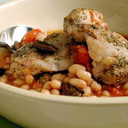 <p>One-Dish Rosemary Chicken and White Beans</p>