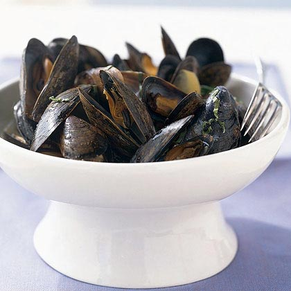 Mussels in Spicy Coconut Broth Recipe