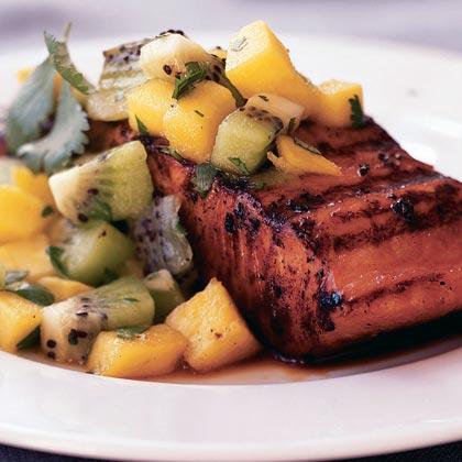 <p>Marinated Salmon with Mango-Kiwi Relish</p>