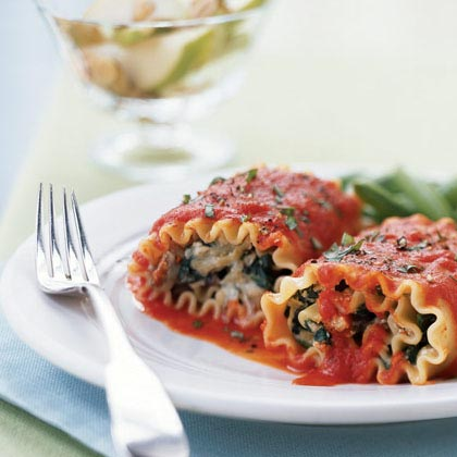 Lasagna Rolls with Roasted Red Pepper Sauce