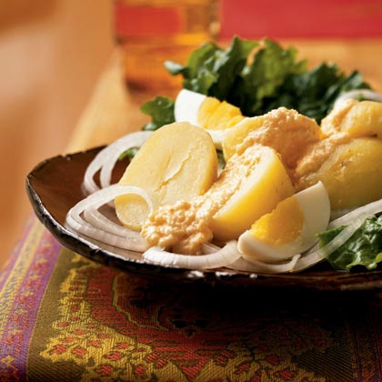 Potatoes with Spicy Cheese Sauce Recipe