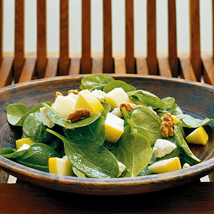 Spinach, Apple, and Walnut Salad