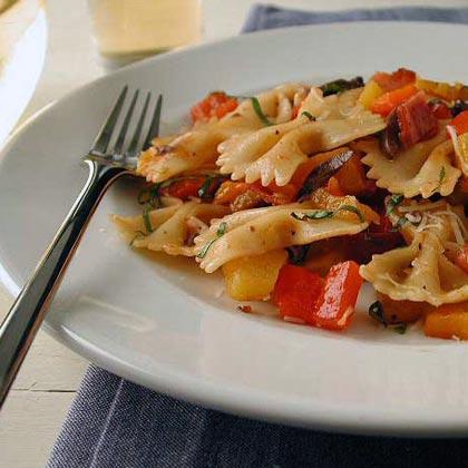 Garlic and Bell Pepper Farfalle Recipe