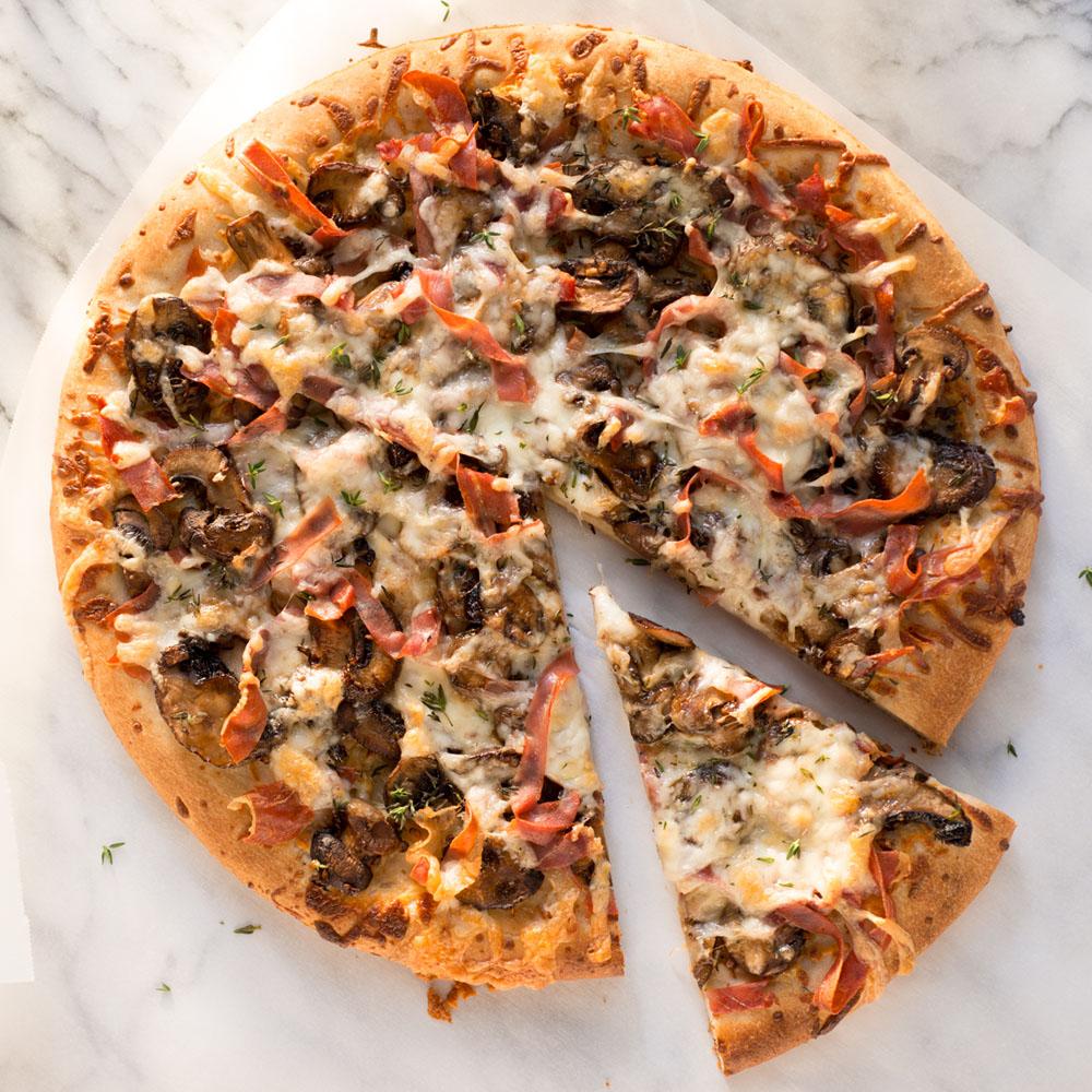 <p>Mushroom-Prosciutto Pizza</p>