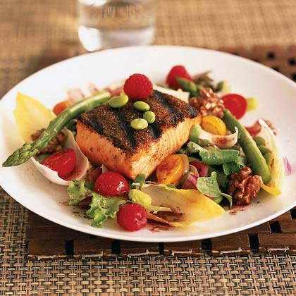 Grilled Salmon Salad with Raspberry Vinaigrette