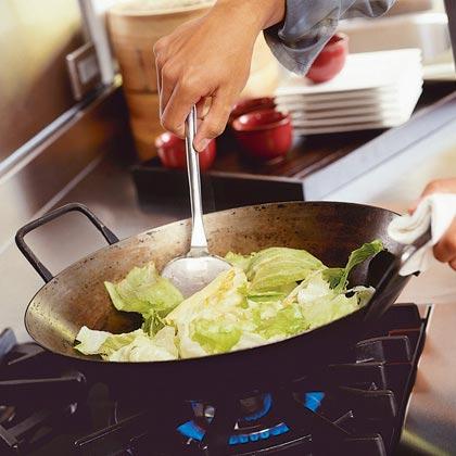 Stir-fried Garlic Lettuce (Shoon Chow Saang Choy)