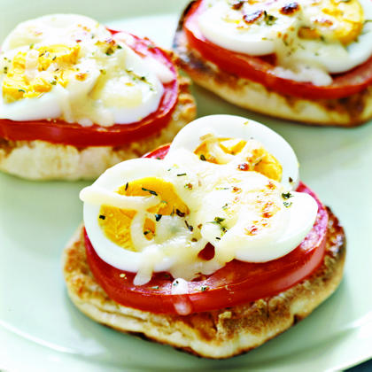 English-Muffin Egg PizzasRecipe