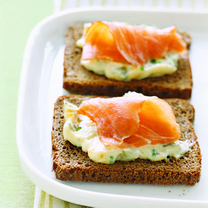 Smoked salmon and egg canapes recipe myrecipes for Canape de salmon