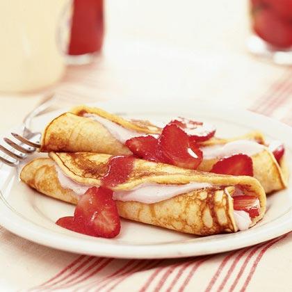Strawberry Pancake Roll-upsRecipe