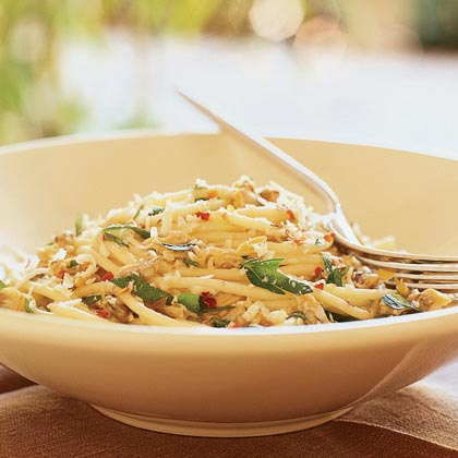 Spaghetti with White Clam SauceRecipe