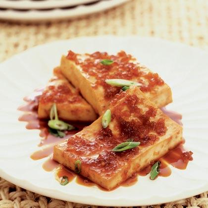 Braised Tofu in Caramel Sauce (Tau Hu Kho)