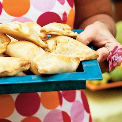 Empanadas de Cangrejo y Mango (Crab-and-Mango Empanadas) Recipe