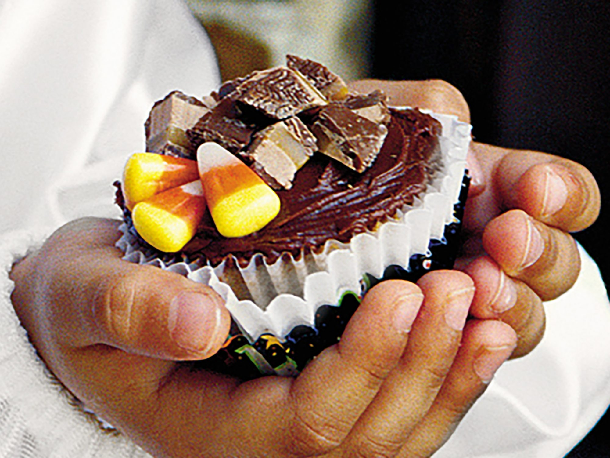 Heavenly Candy Bar Cupcakes