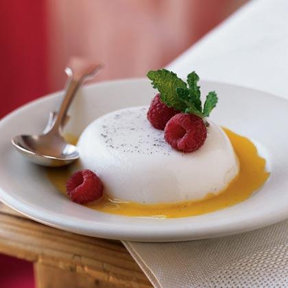 Vanilla-Almond Panna Cotta with Mango Sauce