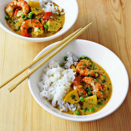 Spicy Shrimp Curry with Coconut Milk and AppleRecipe