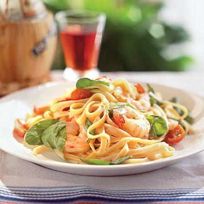 Tomato Fettuccine with Shrimp and Arugula