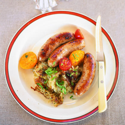 Sausages with Warm Tomatoes and Hash BrownsRecipe