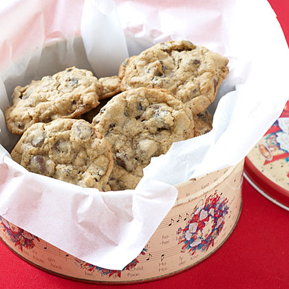 Oatmeal-Raisin Chocolate Chip CookiesRecipe