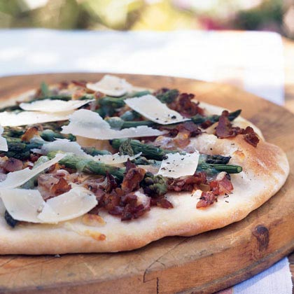 Flatbread with Pancetta and Asparagus Recipe