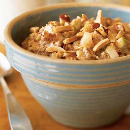Oatmeal with Apples, Hazelnuts, and FlaxseedRecipe