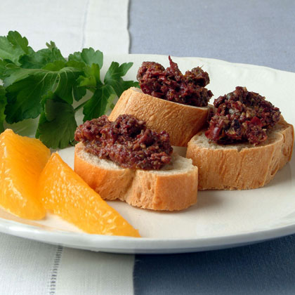 Croutons with Orange and Fennel Tapenade
