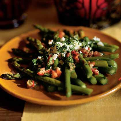 Asparagus Salad with Piquillo Peppers and Capers (Ensalada de Espárragos con Alcaparras)Recipe