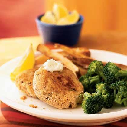 Cajun Salmon Cakes with Lemon-Garlic Aioli Recipe