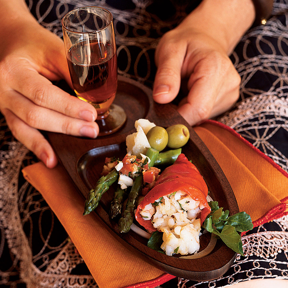 Shrimp-Filled Piquillo Peppers in Sherry Vinaigrette (Pimientos del Piquillo con Tartar de Langostinos)